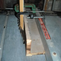jig for sharp angle saw cut