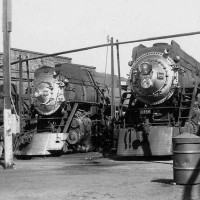 Steam_Locomotives_at_the_Bayshore_Round_House