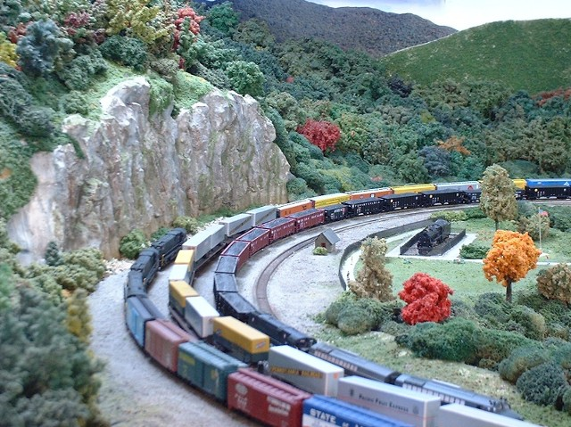 Horseshoe Curve looking east on old layout